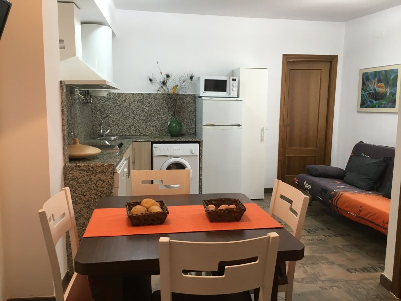 Apartamentos El Salobral 1 (1 llave), casa vacanza a Province of Teruel