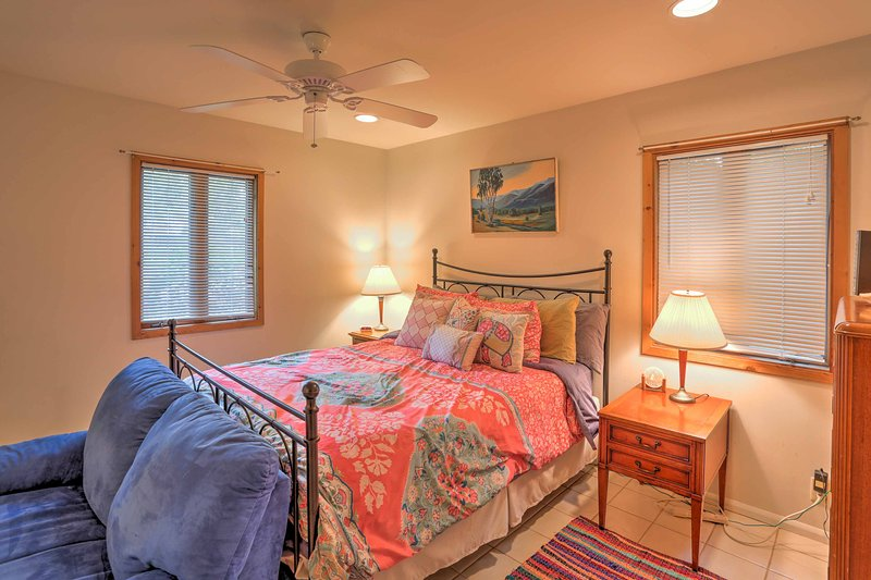 Rest your head on the comfy queen mattress in the master bedroom.