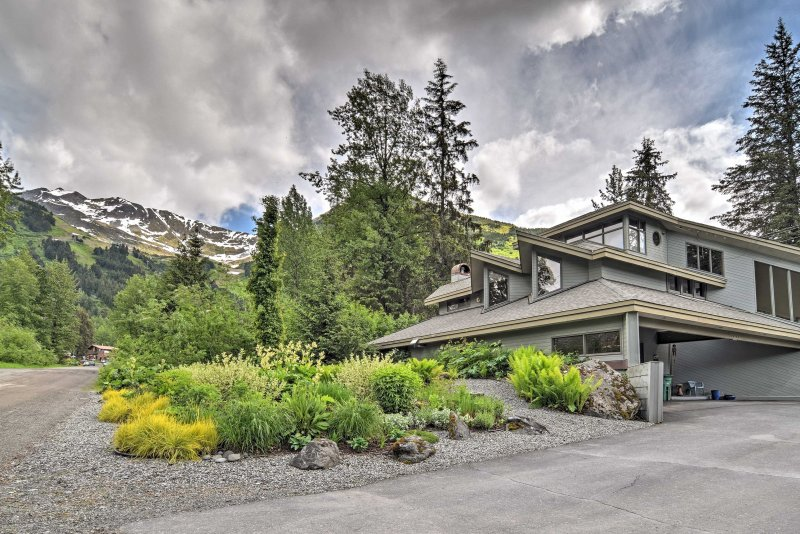 There couldn't be a better place to bring your friends and family for your Alaska vacation than this striking, custom architectural gem at the base of the Alyeska Ski Resort.