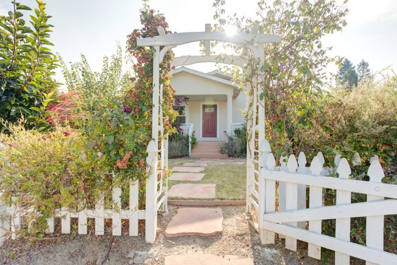 Entrance to the house already provides a perfect garden atmosphere vacation spot.