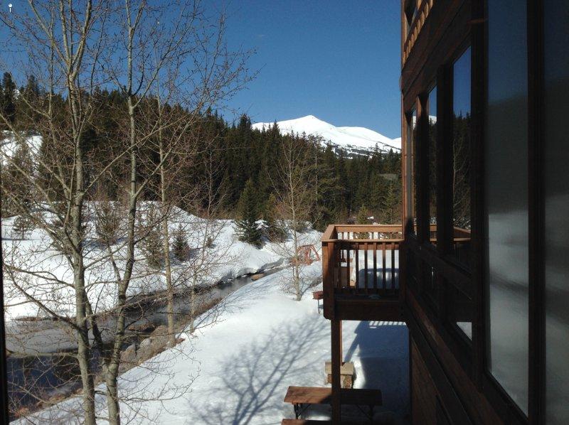 Vista della sala da pranzo del Blue River e Peak 8 e 9.