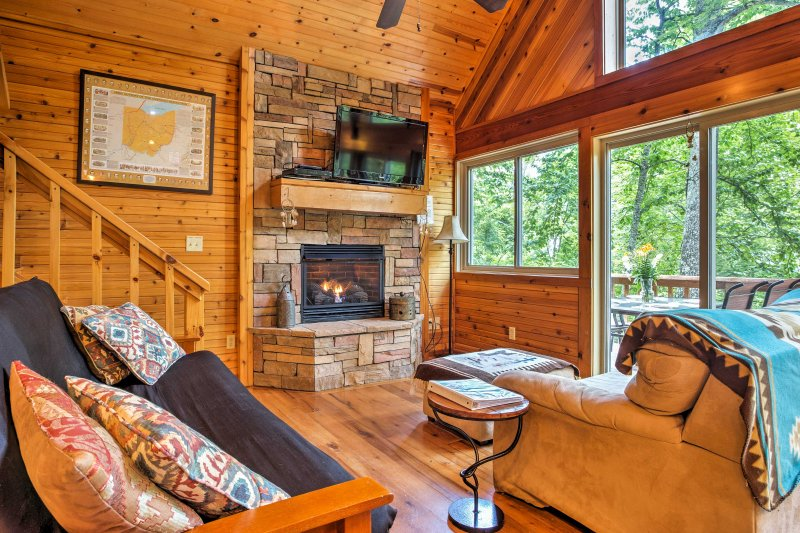 'Mountain Spirit Cabin' 2BR Red River Gorge Home! UPDATED