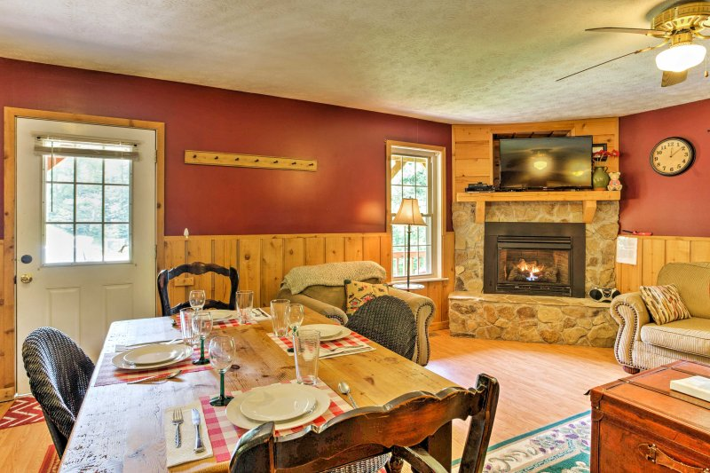 Enjoy lovely formal meals at the 4-person dining room table.