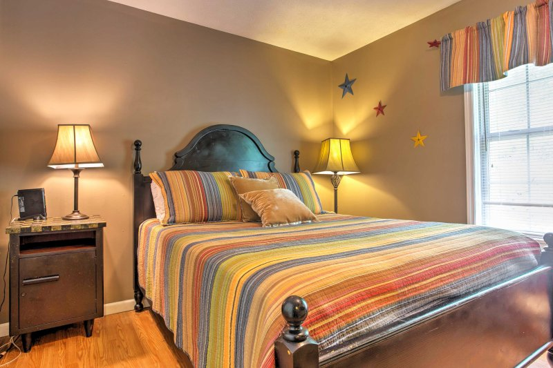 The 2nd bedroom is a great room for families with a queen bed and Twin-over-Twin Bunk Beds.