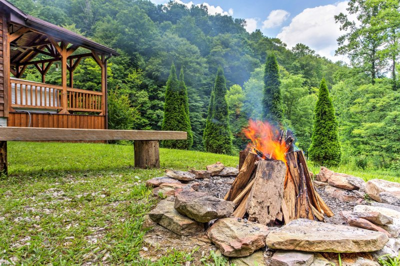 The fire pit is the ideal way to enjoy a proper s'more.