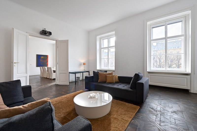 Review Of Luxury Apartment In Vienna City Living Room With Cinema Projector