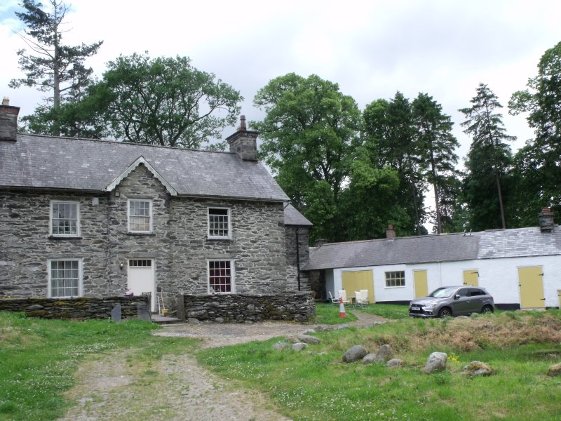 Bala ROOM FOR RENT IN OLD FARM HOUSE  DISABLED FRIENDLY  SHOWER ROOM, vacation rental in Bala