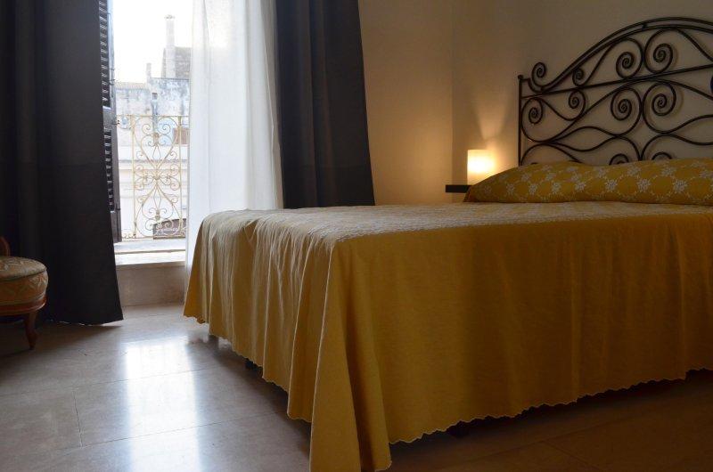 Dimora Essenza - appartamento nel centro storico, casa vacanza a Casamassima
