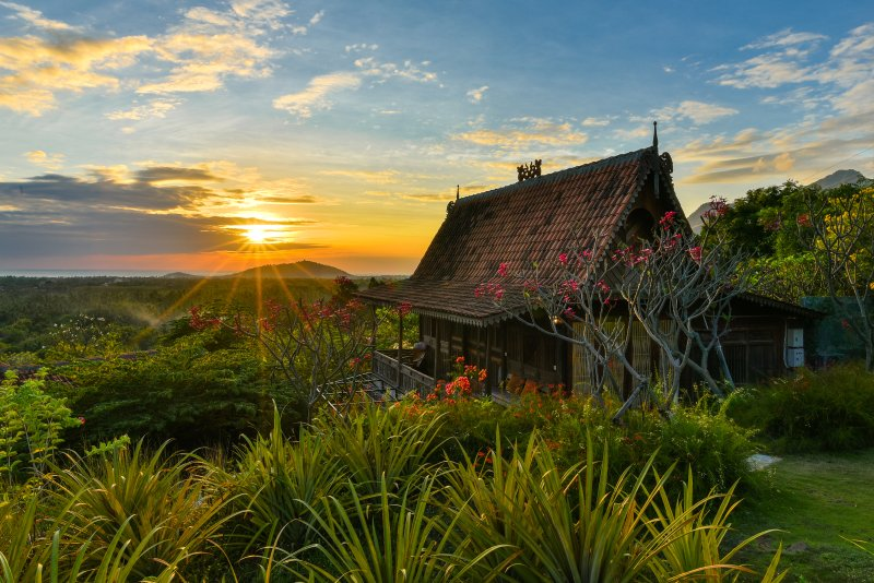 Basuki, wooden romantic house, holiday rental in Jembrana