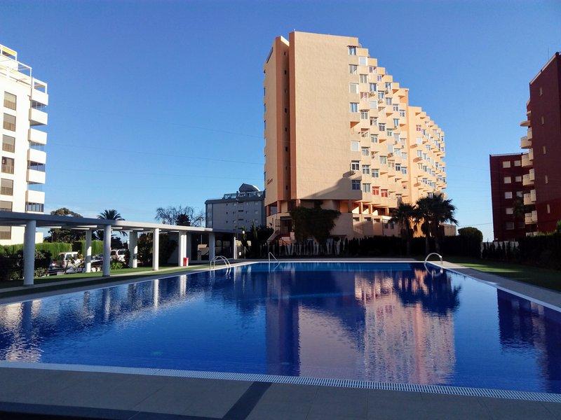 Schönes Apartment in erster Meereslinie, location de vacances à Calpe