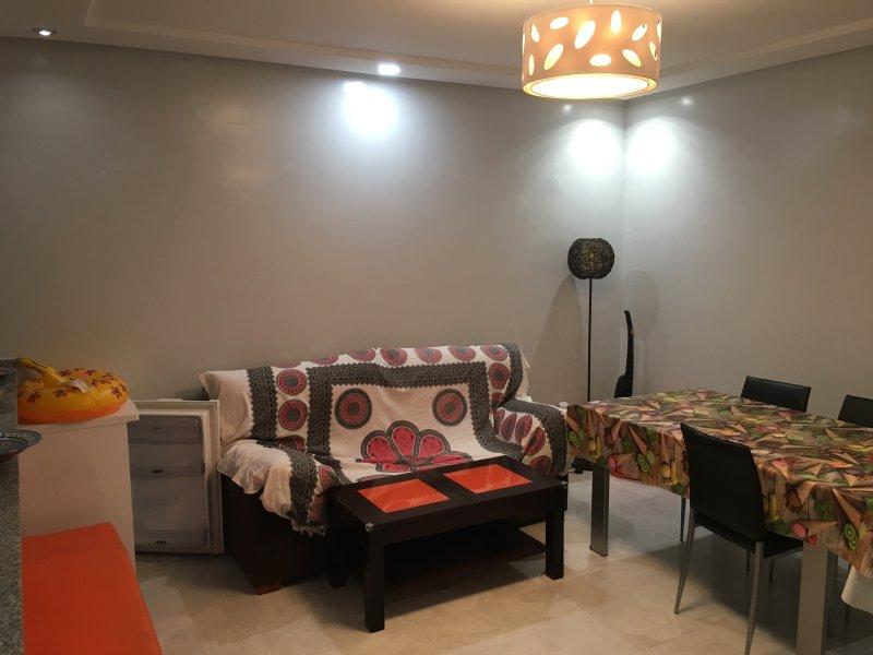 Alquilo apartamento en zona turística, vacation rental in Bouznika