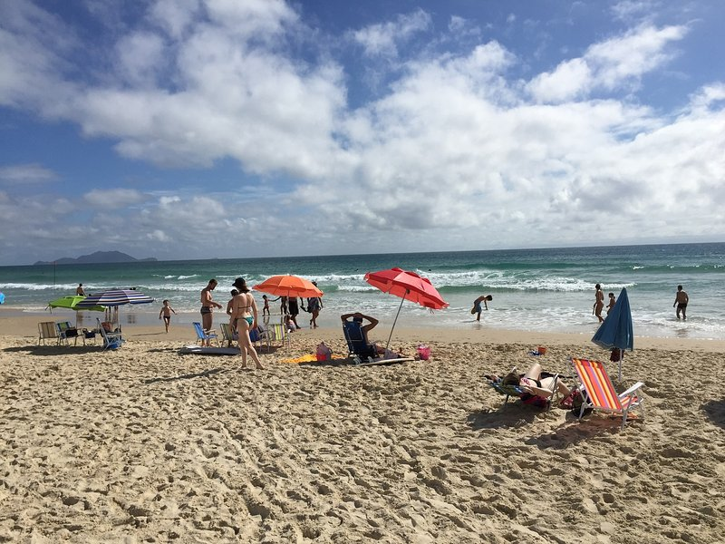 Apartamento NOVO área nobre da Praia dos Ingleses, holiday rental in Florianopolis
