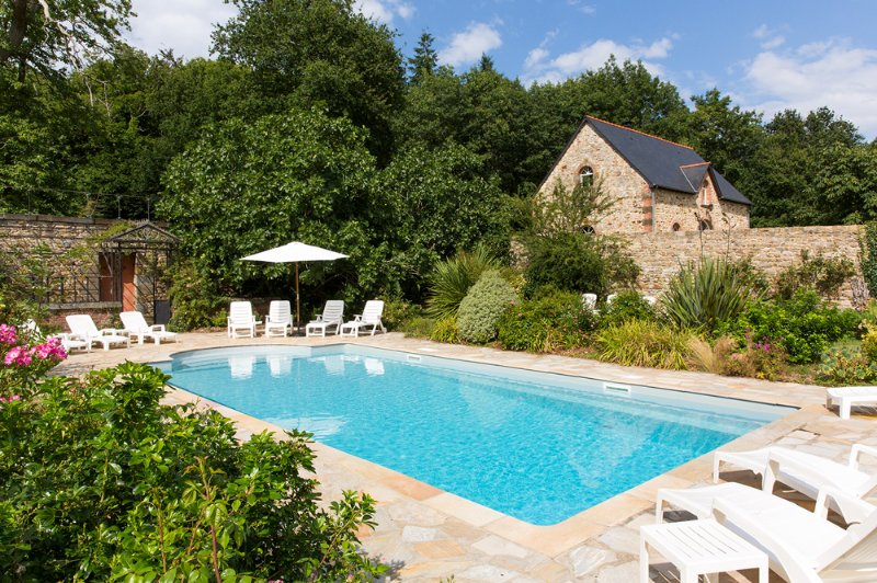 Combourg Chateau Sleeps 35 with Pool - 5049761, holiday rental in Hede