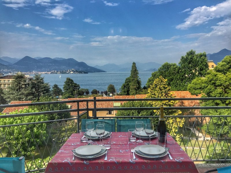 Bella apartment in the center of Stresa, location de vacances à Isola Pescatori