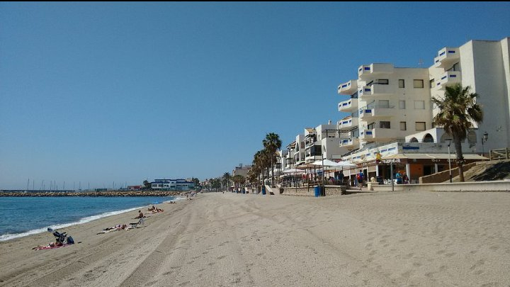 Bord de mer à 50m, TOP appart 2 Chambres, WIFI, Ferienwohnung in Roquetas de Mar