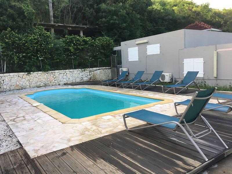 La Villa Les Ixoras, location de vacances à Le Robert