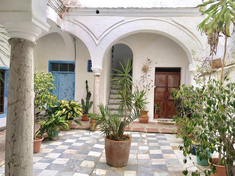 La Casa del patio en el Casco Histórico, location de vacances à Tarifa