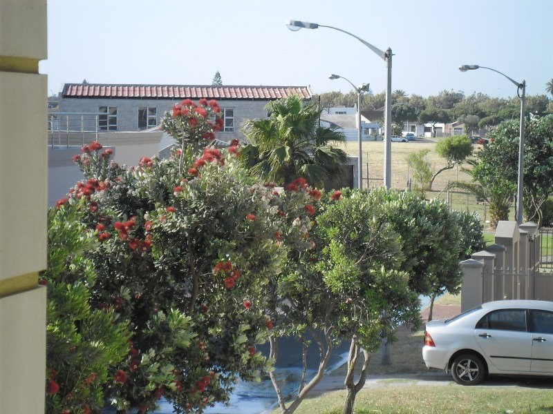 Balcony Street view (summer)