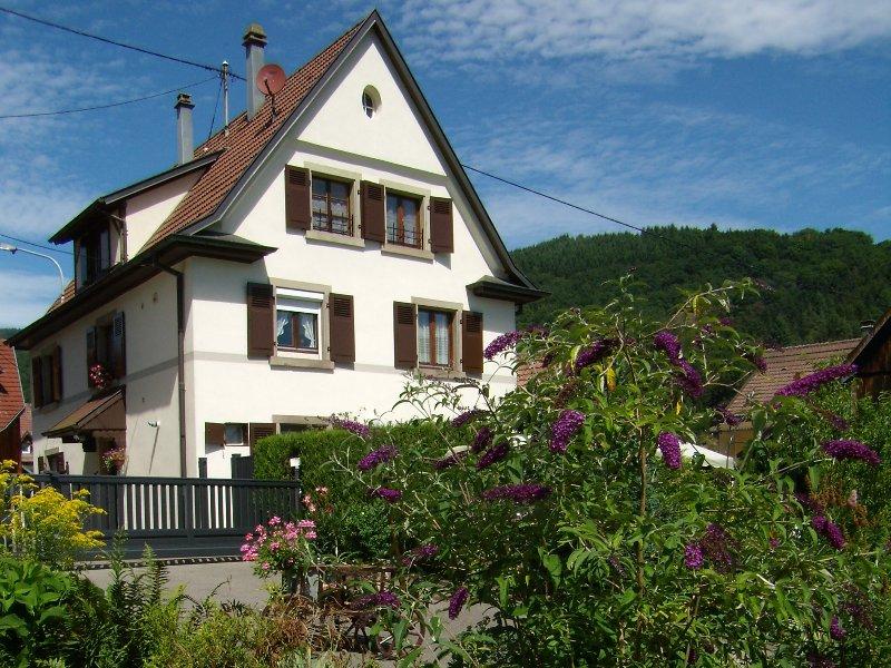 Au Schneiget, grande maison individuelle, 10 personnes sur 3 niveaux Confortable, location de vacances à Haut-Rhin