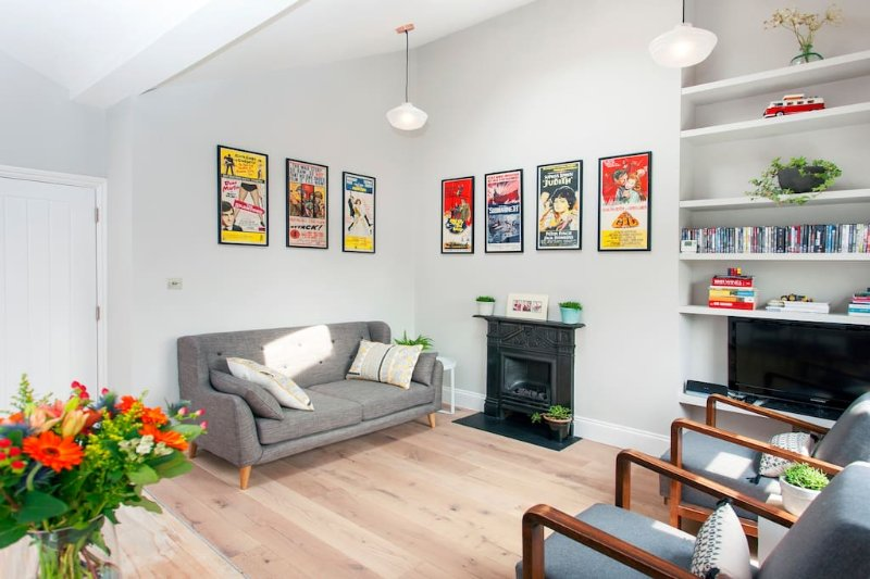Stylish and spacious 2 bedroom flat in Notting Hill, vacation rental in Harringay