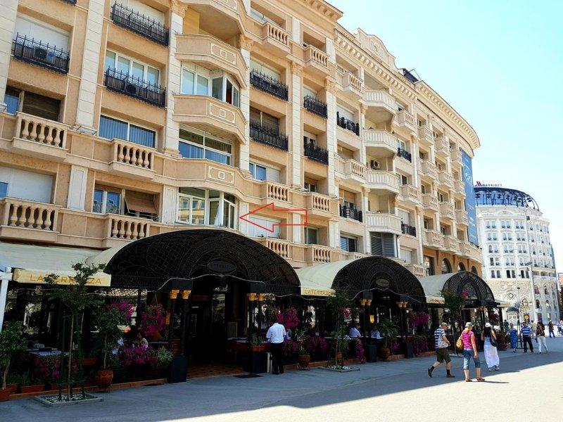 Main square apartment, location de vacances à Skopje