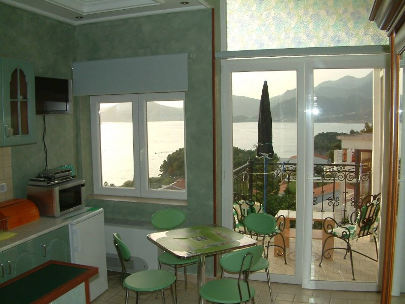 Villa Edelweiss - Apartment 2 bedroms, holiday rental in Sveti Stefan