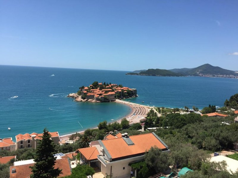 Villa Edelweiss - Studio, holiday rental in Sveti Stefan
