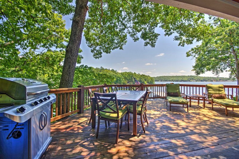 Lakefront Sunrise Beach House w/ Dock & Fire Pit!, vacation rental in Sunrise Beach