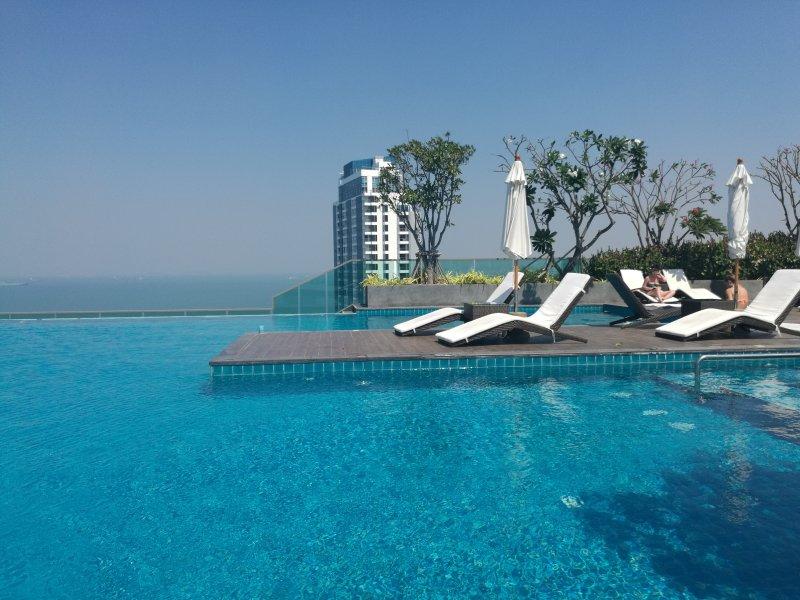 Wong Amat Tower-65 SQM Suite, casa vacanza a Tha Thaewawong