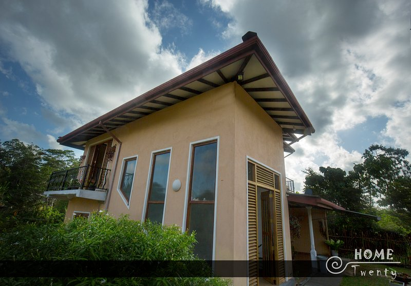 gives you comfort and warmth to make you feel that youre at your own home, vacation rental in Hiniduma
