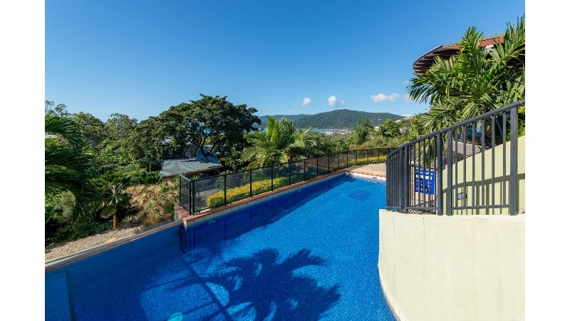 Paradise Penthouse at Waves - Airlie Beach, vacation rental in Airlie Beach
