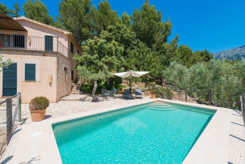 SON BOU - Villa for 3 people in Sóller, holiday rental in Sa Calobra