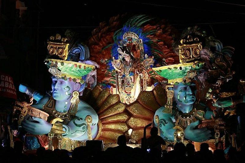 Carnaval en la noche.