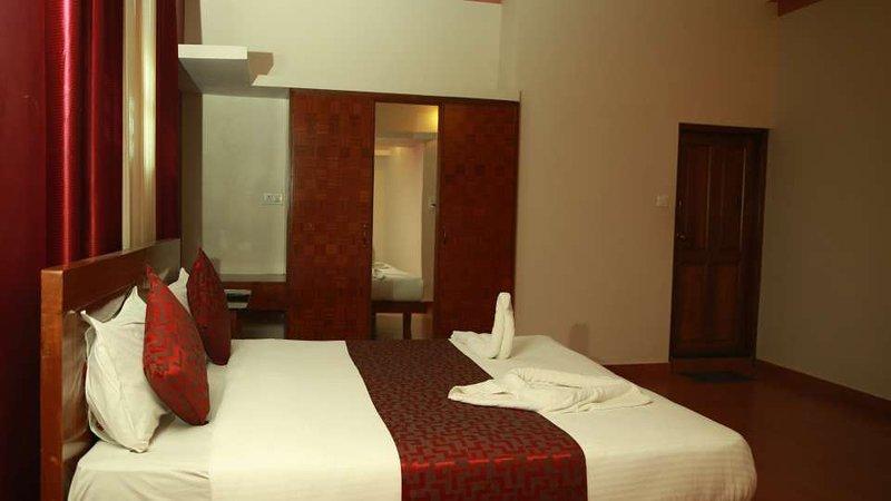 TripThrill Devamani Deluxe Room 6, holiday rental in Madikeri Taluk