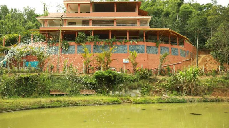 TripThrill Devamani Deluxe Room 4, holiday rental in Madikeri Taluk