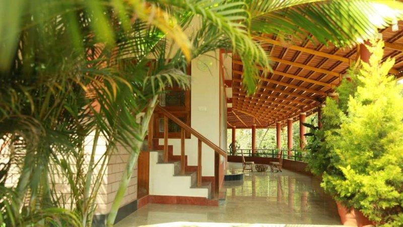TripThrill Devamani Execute Room, aluguéis de temporada em Suntikoppa