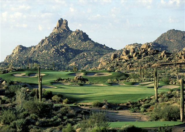 Sommet du pinacle et golf