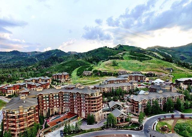 Situato alla base del Park City Canyon Village Ski resort