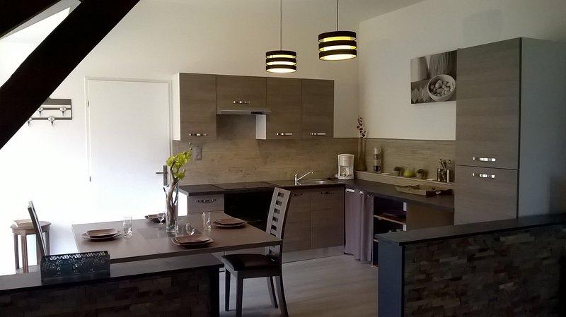 1 avis et 17 photos pour la maison bleue tripadvisor mirandol bourgnounac location de vacances. Black Bedroom Furniture Sets. Home Design Ideas