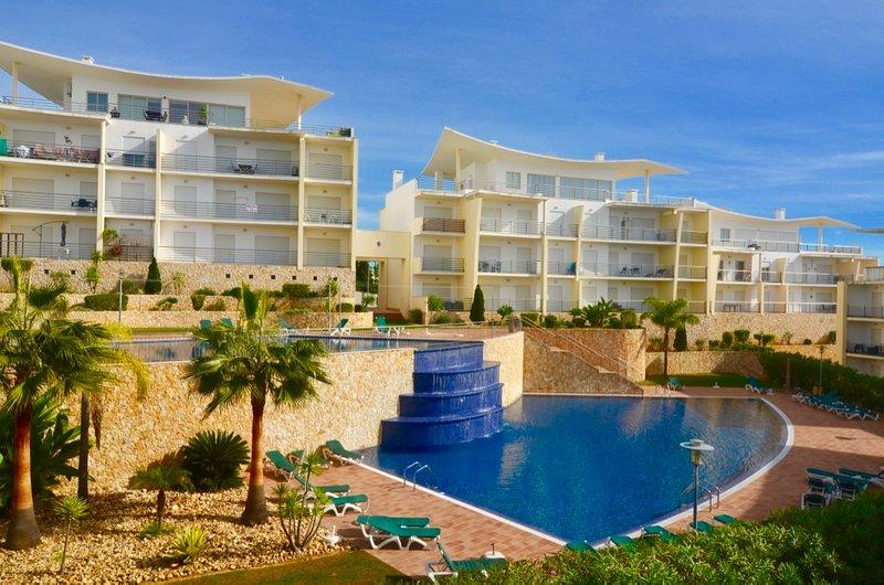 Beautiful 2 Bedroom Apartment In Encosta Da Orada Free Air Con And Wi Fi