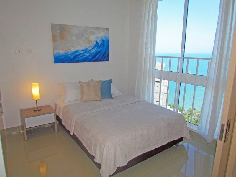 Apartasuite SOHO Elite - Vista al Mar SMR267A, holiday rental in Santa Marta Municipality