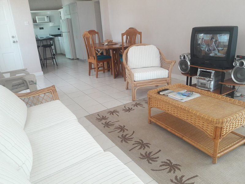 Cotton House Vacation, holiday rental in Oistins