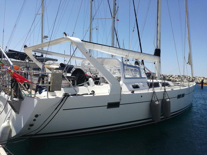 Porto Santo Guest House Luxurious Yacht (Cabin Nº 1), location de vacances à L'île de Porto Santo