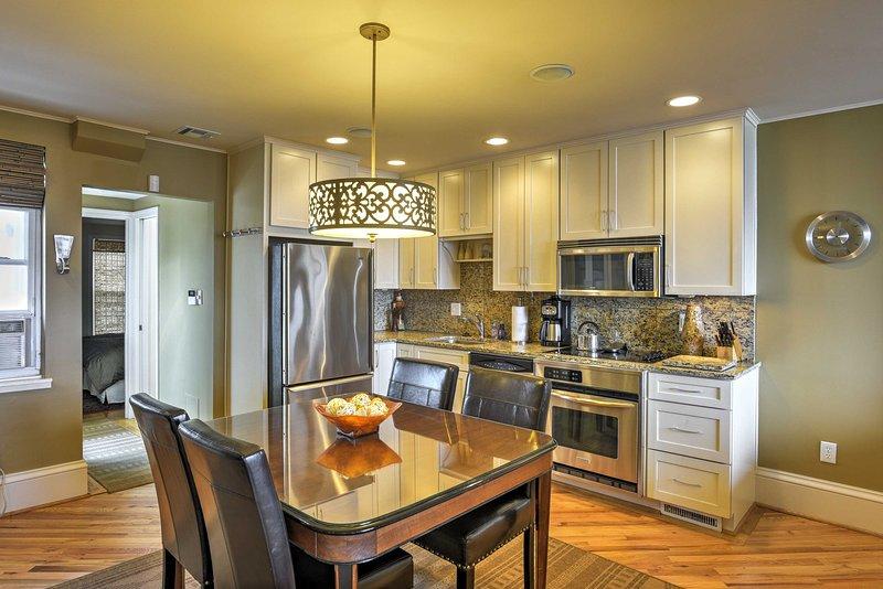 Cocina para 8 es una tarea fácil en esta cocina totalmente equipada.