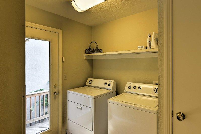 Mantenga su ropa y ropa de cama fresca con estas máquinas de lavandería en la unidad.