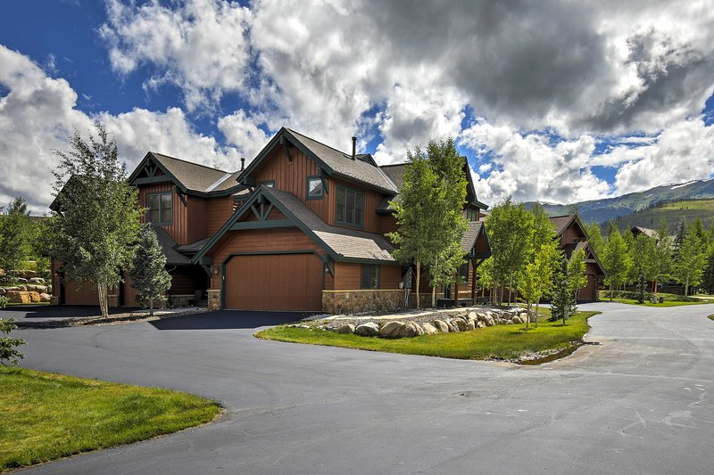 You'll relish the home's unbeatable privacy and views of the Rocky Mountains!
