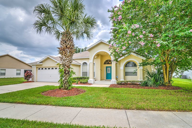 Experience the best of Disney World at this beautiful 4-bedroom vacation rental.