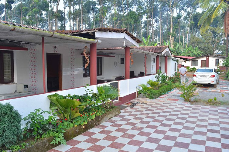 TripThrill Camp Coorg Jumbo Cottage Small, vacation rental in Virajpet