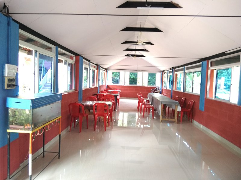 TripThrill Dynasty Homes Cottage 1, vacation rental in Virajpet