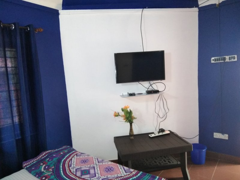 TripThrill Dynasy Homes Suit Room 3, vacation rental in Virajpet